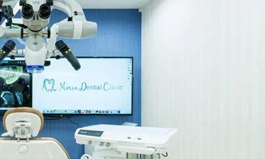 目白マリア歯科の特別診療室のマイクロスコープ