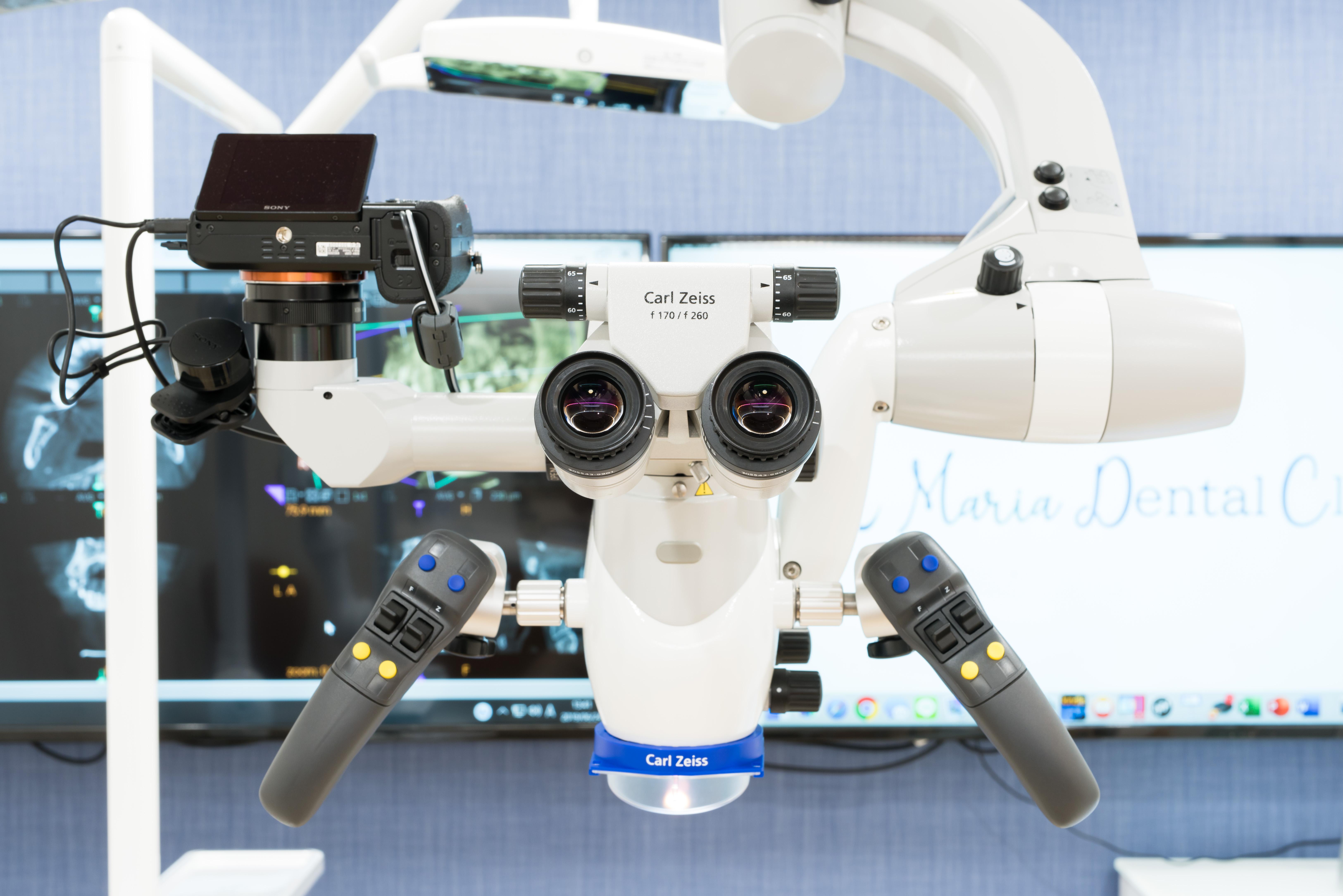 目白マリア歯科の歯科用顕微鏡(マイクロスコープ)
